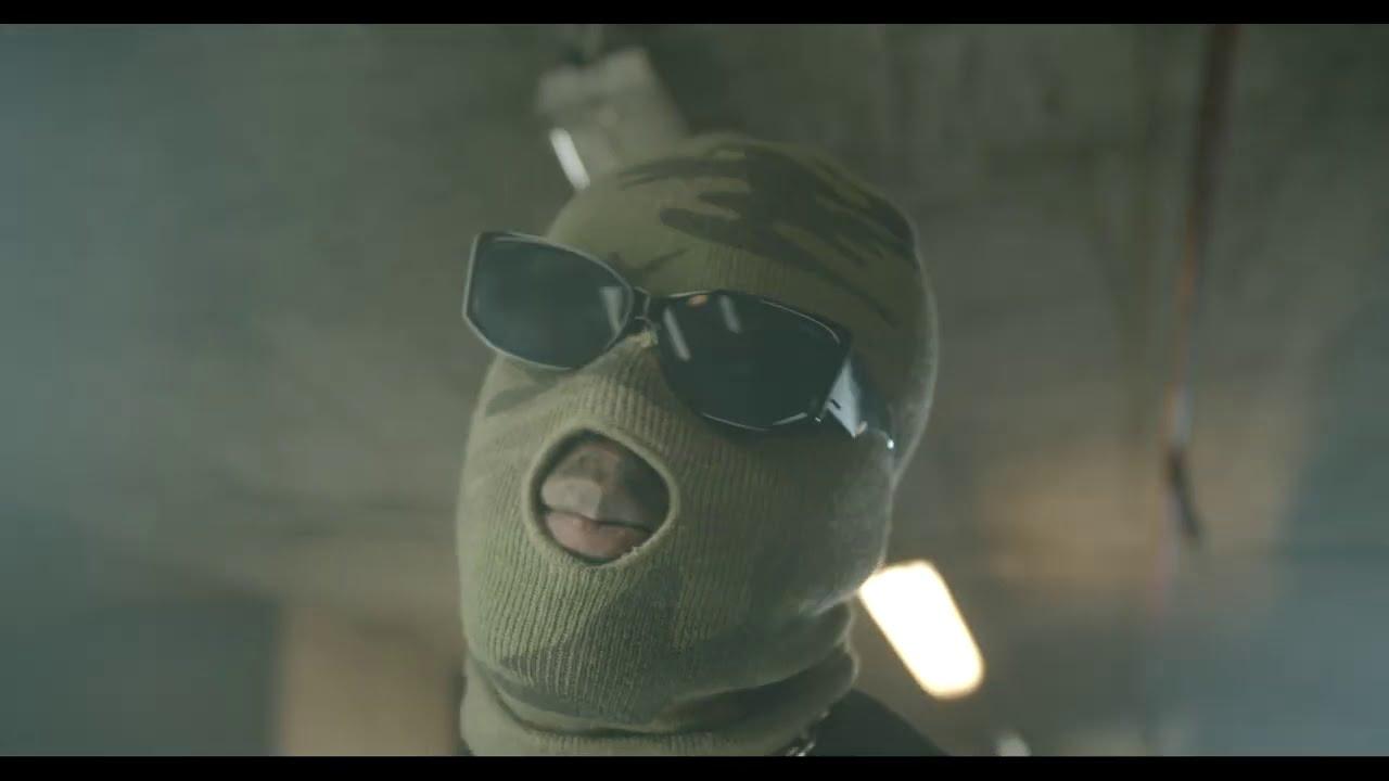 Joey B  — Akobam ft. Kofi Mole & Medikal (Official Video)